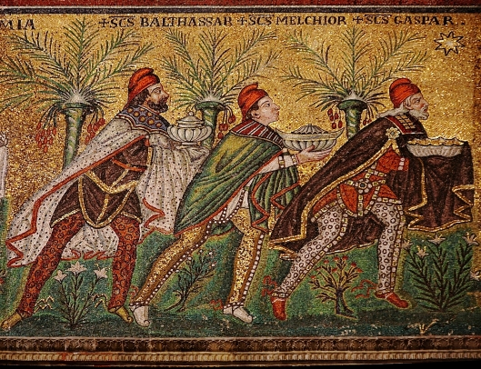 Mosaic of the Magi, Basilica di Sant'Apollinare Nuovo, Ravenna, Italy.  Courtesy of Nina Aldin Thune, Wikimedia Commons.