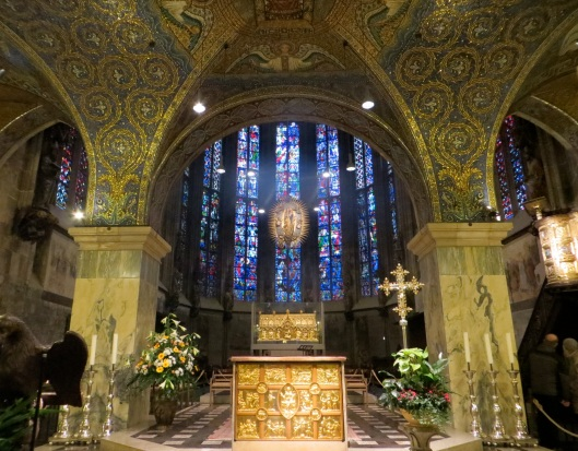 Aachen Cathedral with High Altar and Pala d'Oro in foreground and Marienschrein (Shrine of Saint Mary) behind.