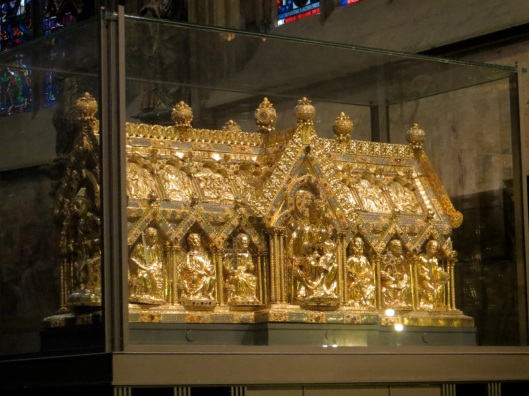 Marienschrein (Shrine of Saint Mary), gold (1230-1239), Aachen Cathedral, Aachen, Germany